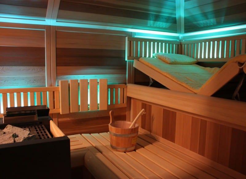 Sauna Ultraline mit Dachschräge